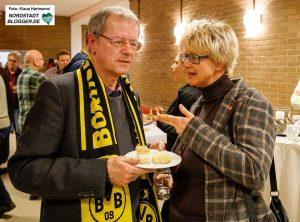 Prof. Christoph Butterwegge im Gespräch mit der DGB-Vorsitzenden mit Jutta Reiter.