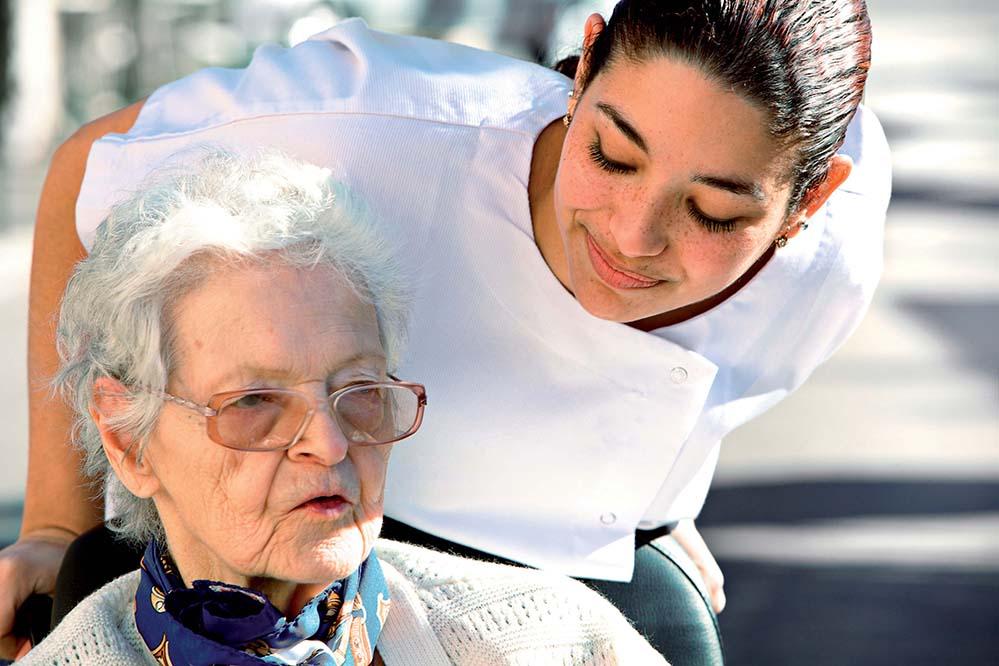 Interessante Einblicke in die Ausbildung, den Arbeitsalltag und die beruflichen Perspektiven von Pflegekräften bietet der 9. Berufsinformationstag zur Altenpflegeausbildung in Dortmund.