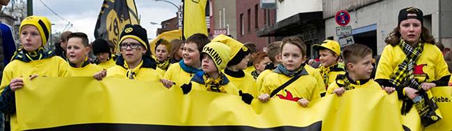 Rosenmontagsumzug in Dortmund: 150.000 Jecken erwartet – zahlreiche Sperrungen sorgen für Verkehrsbehinderungen