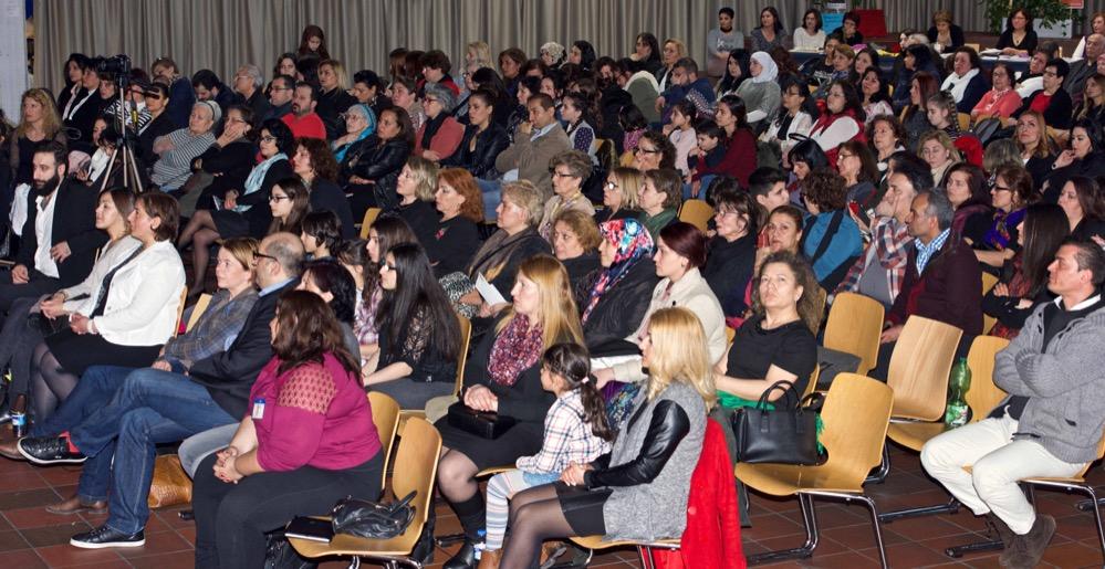 300 Gäste kamen zum Internationalen Frauentag ins Dietrich-Keunig-Haus. Fotos: Wolf-Dieter Blank