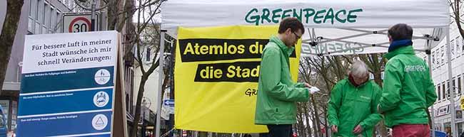 """""""Städte wollen atmen"""": Greenpeace demonstriert in 58 Städten für bessere Stadtluft und gegen hohe Stickoxidwerte"""