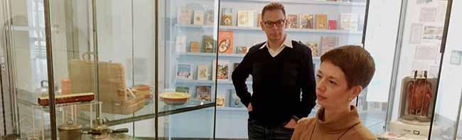 """Eine Ausstellung – drei Museen: """"Draußen nur Kännchen"""" – Erinnerungen an  die Gastronomie mit Fotos und Kochbüchern"""