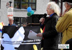Bezirksbürgermeister Friedrich Fuß sprach auf dem Wilhelmplatz.