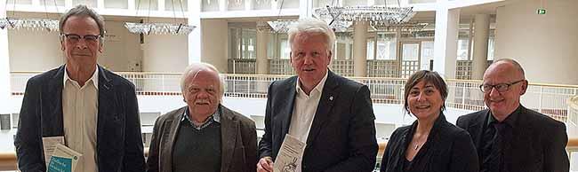 """Über 200 AutorInnen des Deutschen PEN-Zentrums tagen vier Tage in Dortmund – OB-Idee: """"Stadtschreiber"""" gesucht"""