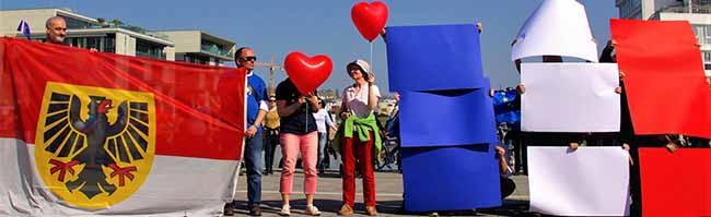 """Dortmund aime La France: """"Pulse of Europe""""-Bewegung sendet vor der Wahl Liebesgrüße nach Frankreich"""