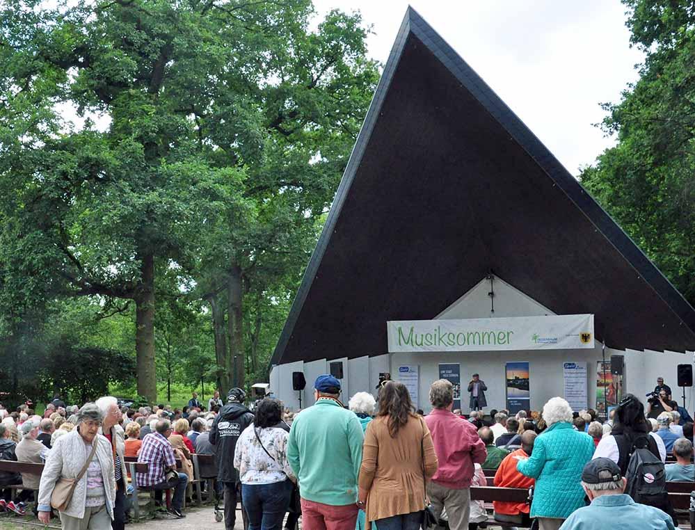 Jeweils von 15 bis 17 Uhr treten die Gruppen am Musikpavillon auf. Foto: Veranstalter