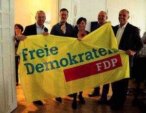Zufrieden war man bei der FDP mit dem Ergebnis - Dortmunder Mandate hatte man hier nicht erwartet. Foto: Mariana Bittermann