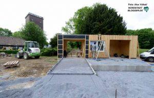 Ein Kassenhäuschen wird an der Brackeler Straße errichtet (Foto), ein zweiter entsteht zum Hoeschpark hin.