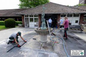 Auch am Donnerstag liefen die Arbeiten auf Hochtouren. Sie werden den Badebetrieb nicht tangieren.