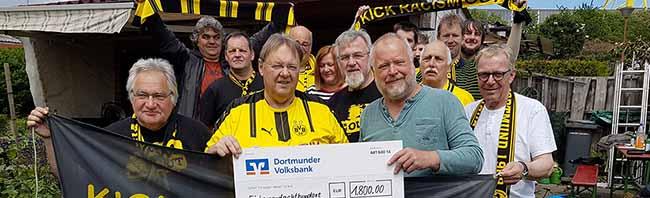 Lauf des BVB-Fanclubs Heinrich Czerkus Dortmund brachte 1800 Euro für fußballerische Präventionsarbeit in Südafrika