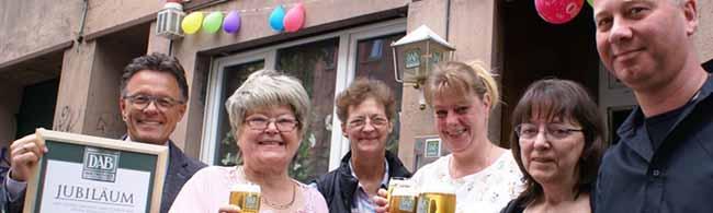 """""""Zur Palette"""": Vor 60 Jahren wurde aus dem Malerladen eine Eckkneipe – Renate Schimm Wirtin mit """"Berliner Schnauze"""""""