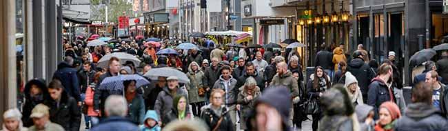 Streit um verkaufsoffene Sonntage – Land NRW will anlasslose Öffnungen an fünf Wochenenden – Kritik von OVG und ver.di