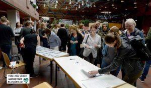 180 TeilnehmerInnen kamen zum 5. Dortmunder Flüchtlingsforum im Dietrich-Keuning-Haus.