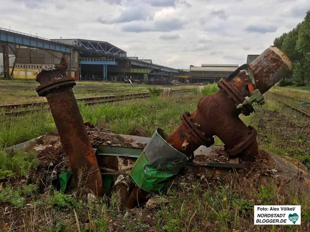 Auf dem HSP-Gelände läuft der Rückbau der Anlagen auf Hochtouren. Foto: Alex Völkel
