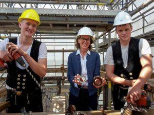 Auf der Denkmalgeschützten Anlage sind noch das ganze Jahr die Bauarbeiter und Handwerker aktiv.