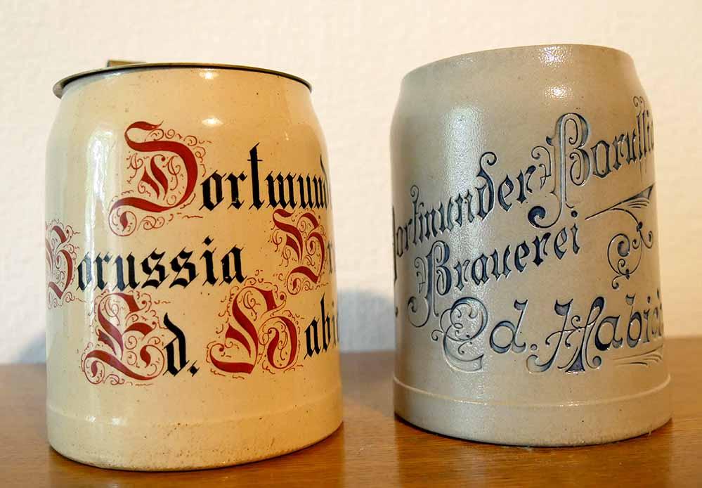 Bierkrüge der Borussia- Brauerei aus der Sammlung von Peter Nicolau. Foto: Klaus Winter