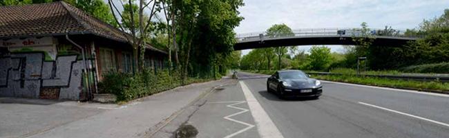 Kanalbauarbeiten in der Brackeler Straße: Östlich vom Freibad Stockheide sind 900 Meter ab Montag nur einspurig