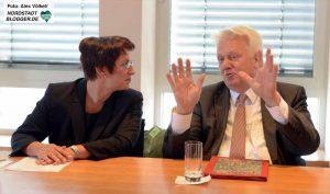 Oberbürgermeister Ullrich Sierau stellte Heike Heim als neue DEW21-Chefin vor.
