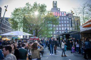 Auf dem Vorplatz des Dortmunder U findet das Food Lovers Streetfood-Festival statt. Foto: Food Lovers / Rzepka