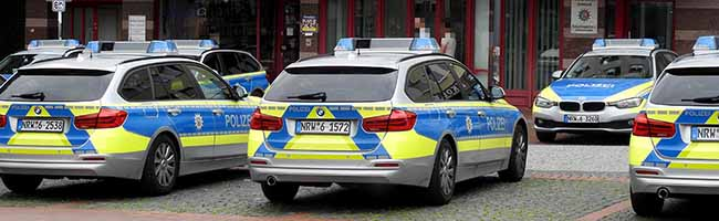 Betrunkener tritt Frau in den Rücken – Polizei sucht Zeugen