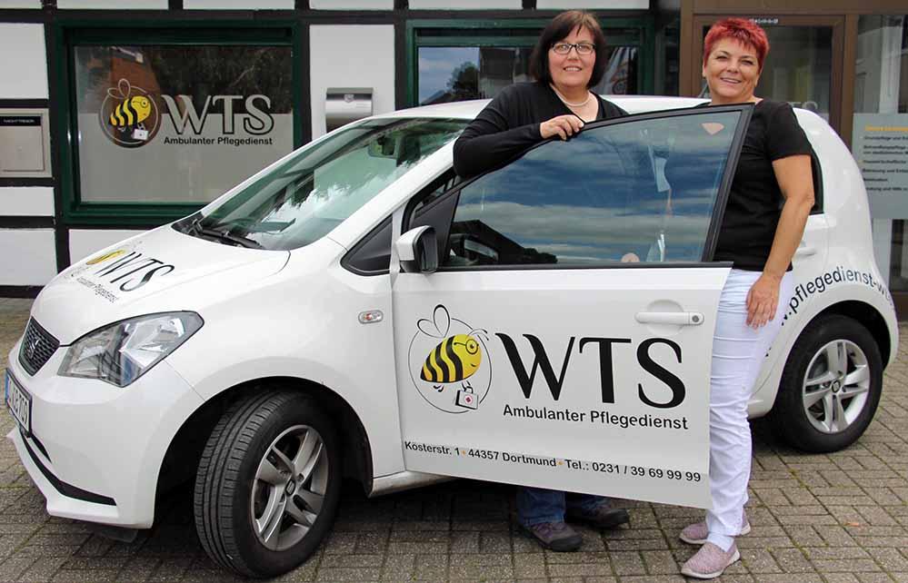 Die Geschäftsführerin des Ambulanten Pflegedienstes WTS, Silvia Witthaut (links) mit ihrer Mitarbeiterin Beate Schroer.