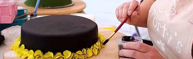 Bei Torty's gibt es alle Zutaten und Werkzeuge für das Gelingen einer besonderen Torte und die Tipps noch dazu