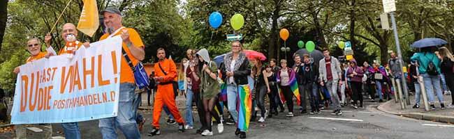 FOTOSTRECKE Christopher Street Day in Dortmund: Demonstration für Vielfalt startet erstmals in der Nordstadt