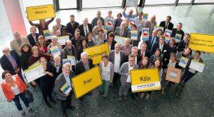 Die Preisübergabe zum Wettbewerb Hauptstadt des Fairen Handels 2017 fand in der Congresshalle Saarbrücken statt.