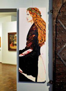Andere KünstlerInnen (hier: Jette Trost) haben ausgesuchte Objekte mit Gemälden ergänzt.