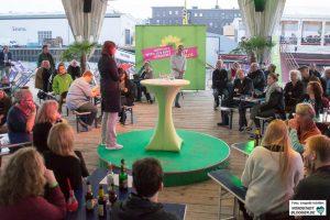 """Auf ihrer """"Zukunft-wird-aus-Mut-gemacht""""-Tour legte Katrin Göring-Eckardt auch im Hafen von Dortmund an."""
