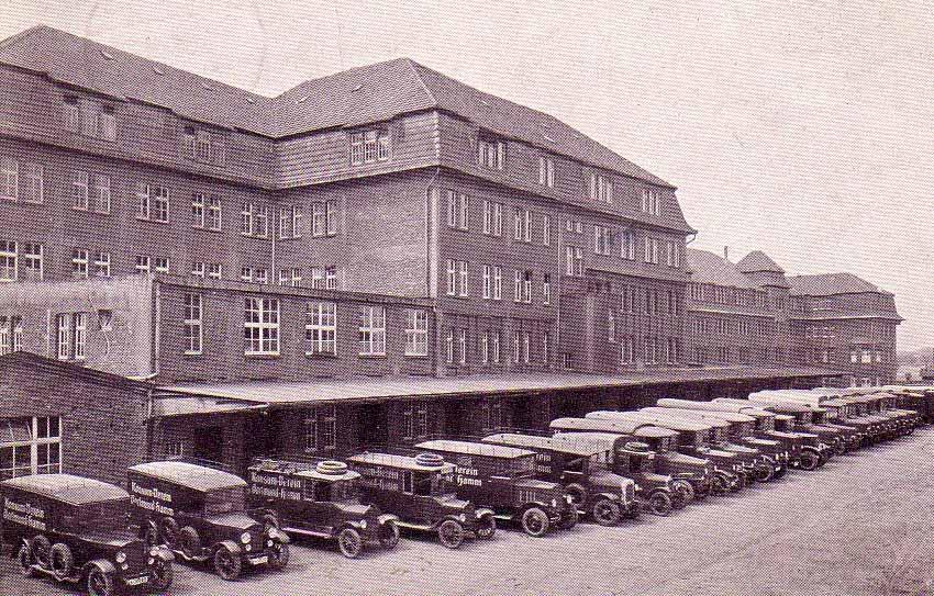 Fuhrpark des Konsum-Vereins Dortmund-Hamm, um 1925 (Sammlung Klaus Winter)