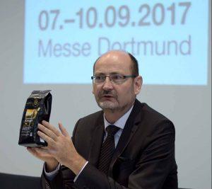 Dr. Peter Schaumberger stellt vor, was die GEPA auf der Messe zu bieten hat.