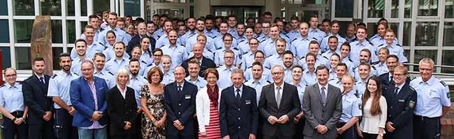 Willkommene Verstärkung an der Markgrafenstraße: Polizei Dortmund begrüßt 109 neue Polizistinnen und Polizisten