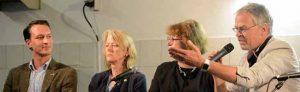 Pfarrer Friedrich Laker (re.) kündigte an, die Veranstaltung ohne AfD-Kandidat Matthias Helferich (li.) nachgeholt.