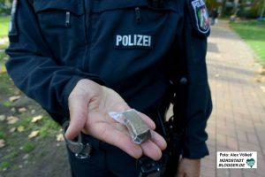 Zahlreiche Drogen wurden vom Polizei-Spürhund erschnüffelt.