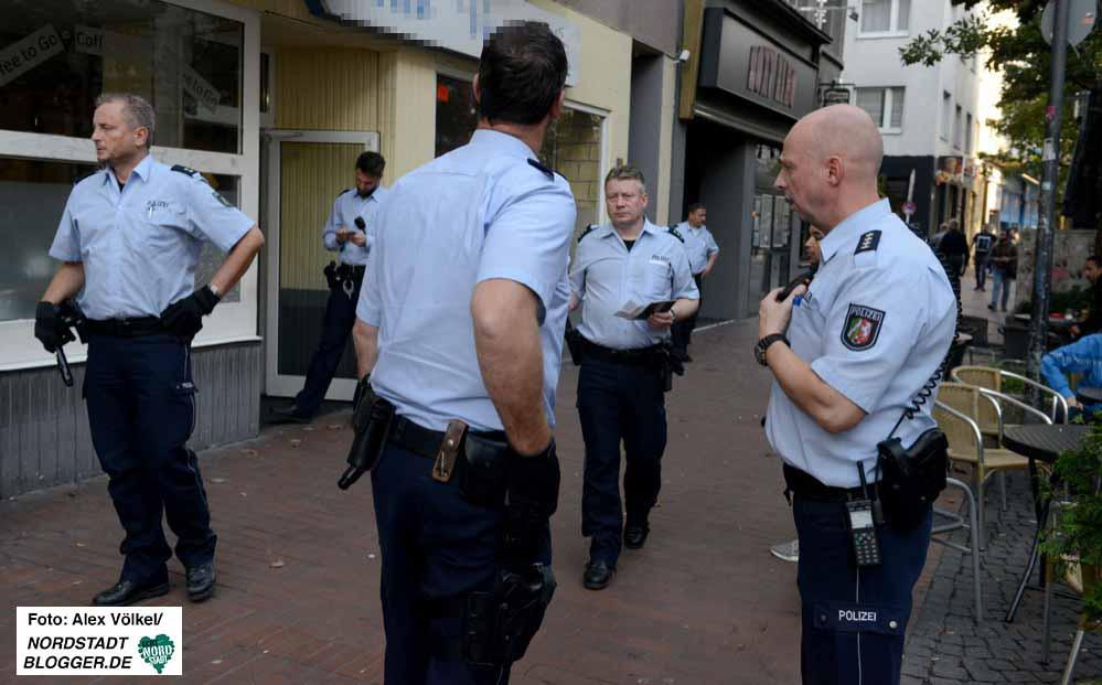 Regelmäßig gibt es Schwerpunkteinsätze der Polizei in der Nordstadt. Fotos: Alex Völkel
