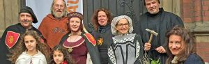Ein großes Mittelalterfest gibt es zum Reformationstag am 31. Oktober rund um die Pauluskirche an der Schützenstraße. Mit Mittelaltermarkt, Musik und Schauspiel wird an die Reformation von Martin Luther vor 500 Jahren erinnert. Fotos: Joachim vom Brocke