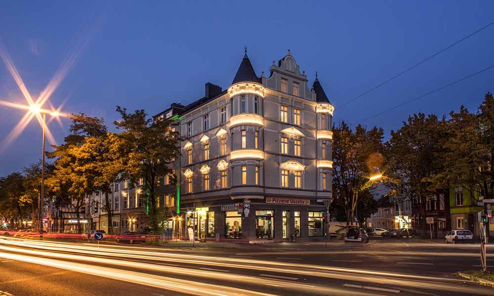 Einst weit vorne auf der Liste der Problemimmobilien, ist das Ensemble an der Bornstraße heute ein Schmuckstück.