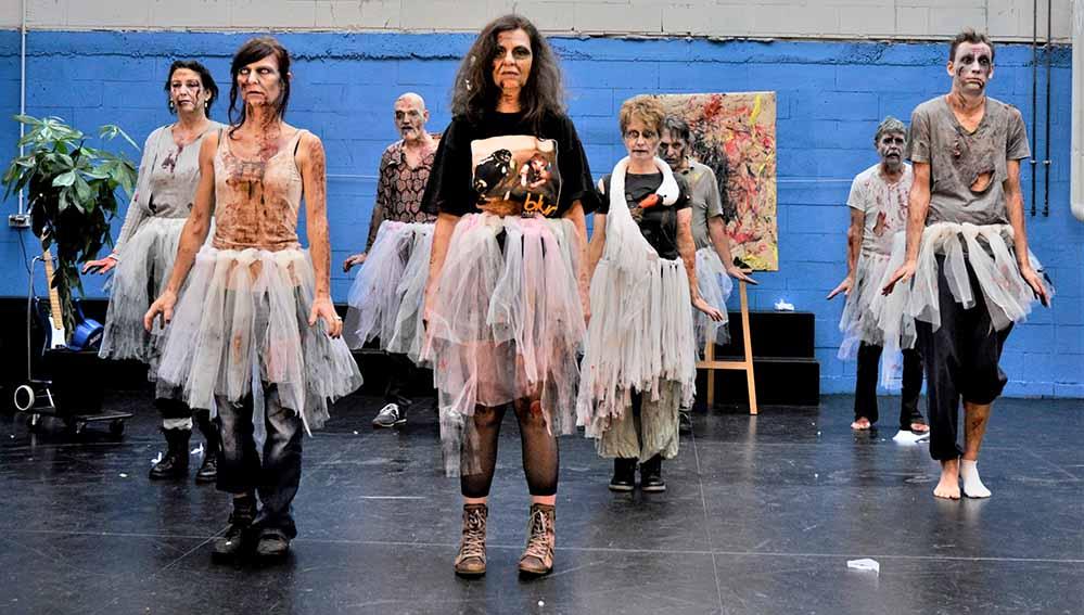 Szene der Proben zu Zombification im Theater im Depot: Fotos: Theresa Mielich