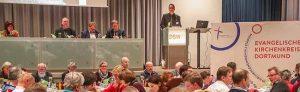Superintendent Ulf Schlueter leitete die Synode. Fotos: Stephan Schuetze