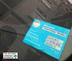 Anwohner müssen für den Parkausweis 30,70 Euro bezahlen - den gesetzlich erlaubten Maximalbetrag.