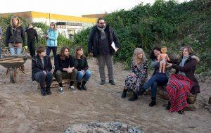 Regisseur Cem Arslan (Bildmitte) erarbeitet erneut den Film mit Dortmunder Jugendlichen.