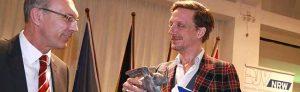 """Der Presseverein Ruhr hat den Dortmunder Theater-Intendanten Kay Voges mit dem """"Eisernen Reinoldus"""" geehrt."""