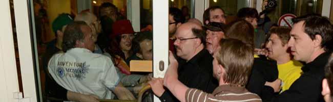 """Wahlabend 2014: Nach dem Kapitel """"Rathaussturm"""" beendet das Amtsgericht nun auch das Kapitel """"Rathaus-Blockade"""""""
