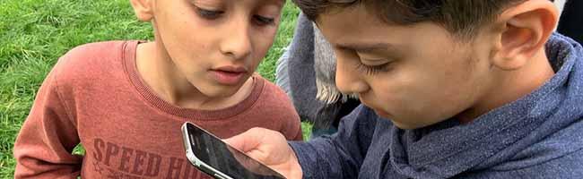 """""""ActionBound"""" im Jugendtreff Kirchderne:  Smartphones in der Pädagogik – Die Suche nach dem Glück am fremden Ort"""