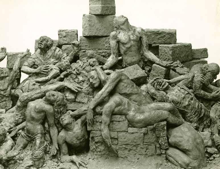 Anhand von Fotos wie diesem wird das Mahnmal virtuell rekonstruiert. Bildnachweis: Archiv der Akademie der Künste Berlin