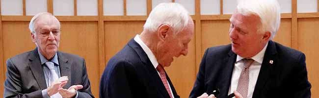 Stadtplakette für Dr. Jochen Opländer: Der Rat der Stadt Dortmund würdigt die Verdienste des WILO-Patriarchen