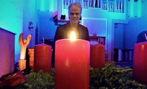 Friedrich Laker teilt sich - gemeinsam mit seiner Frau - die Pfarrstelle in der Pauluskirche. Fotos. Sophia Stahl