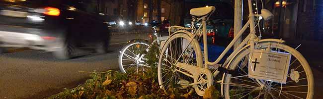 """Nach dem tödlichen Verkehrsunfall erinnert ein """"Ghost Bike"""" an den getöteten elfjährigen Radfahrer in der Nordstadt"""