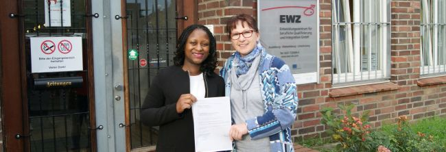 """""""PiaF – Pflege in allen Farben"""": Qualifizierung und Integration von Pflegefachkräften internationaler Herkunft beim EWZ"""